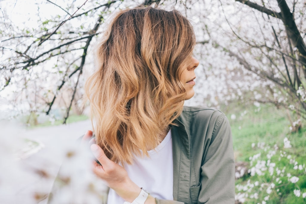 wavy hairstyles for over 40 and overweight